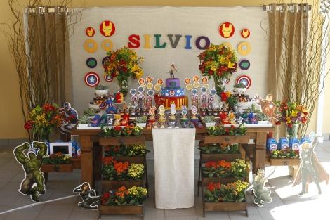 Mesa decorada OS VINAGDORES